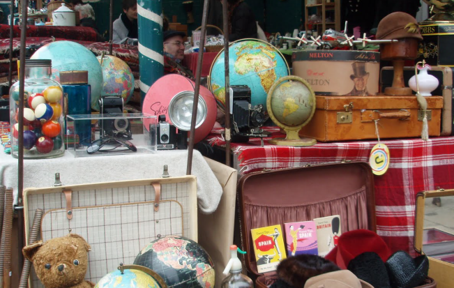 Camden Passage Antiques and Bric-a-Brac market in Islington, N1